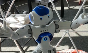 """We are the Robots"" – KI-TT 1.0 aus Sicht unserer Studentin"