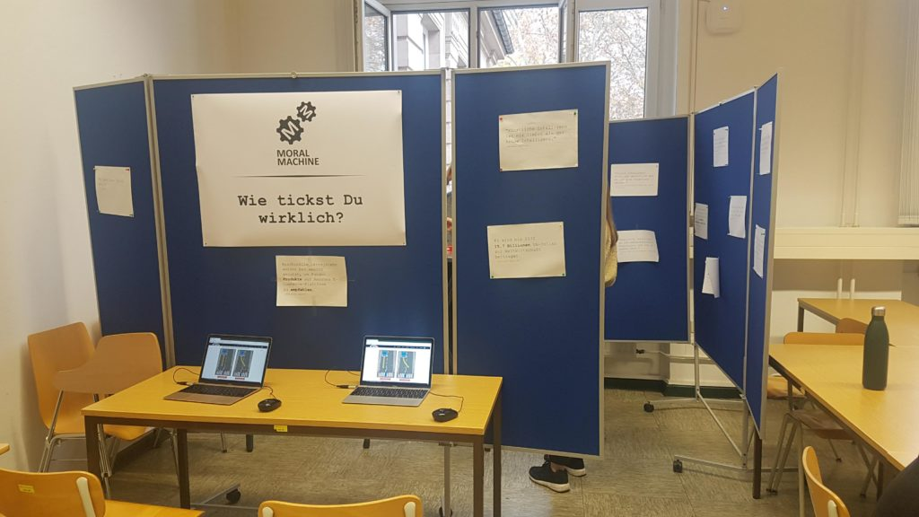 KI Schüler-Barcamp Moral Machine Stand