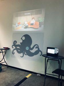 Der Stand beim KI-TT Barcamp samt Datenkrake.